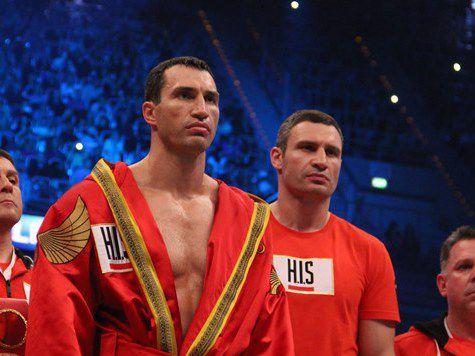 Японские братья-боксеры достигли рекорда Кличко, пока Владимир гуляет по Санкт-Петербургу