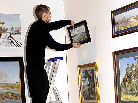 158 настенных картин заказала Федеральная миграционная служба России для оформления помещений в зданиях центрального аппарата