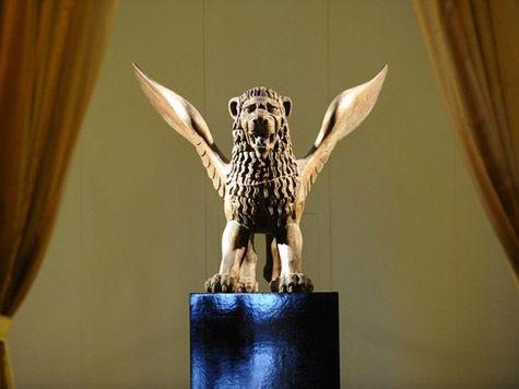 Бертолуччи отправил «Золотого льва» в поездку по «Святой Римской кольцевой автодороге»