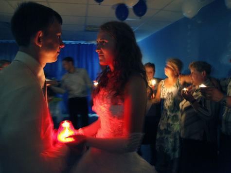 Ученые объяснили, почему жениться лучше на подруге кузины