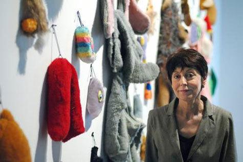 Художница Аннет Мессаже: « Для меня глагол «работать» означает лежать»