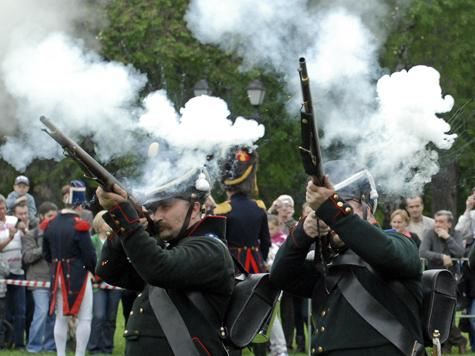Москвичей вооружат против Наполеона пультом