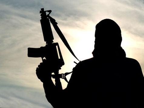 Боевики захватили в заложники посетителей торгового центра в Найроби, есть жертвы