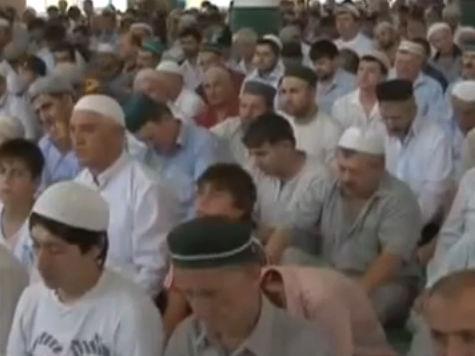 Рамадан — священный месяц: обычаи, когда молиться, как подавать милостыню