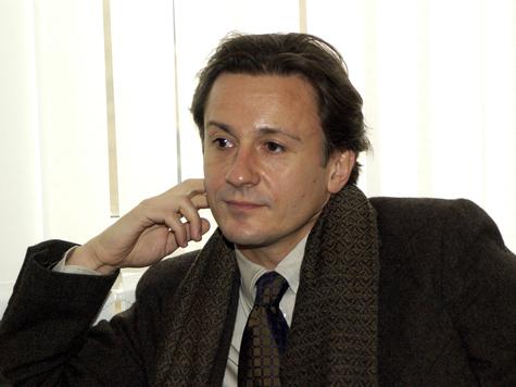 Олег Меньшиков встретится со своей труппой только в сентябре