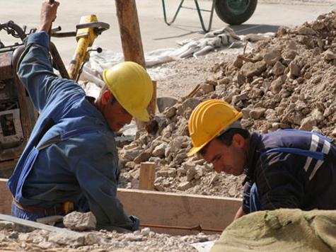 Построить семейное счастье на ворованных крышках канализационных люков решил 20-летний гастарбайтер из Узбекистана