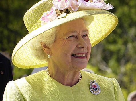 В Великобритании опубликована речь королевы по поводу начала ядерной войны с СССР