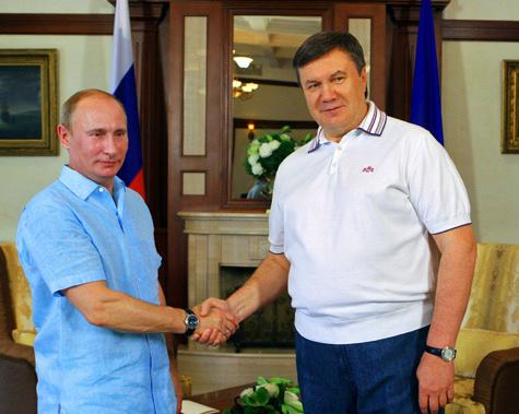 Путин иЯнукович провели таинственные переговоры