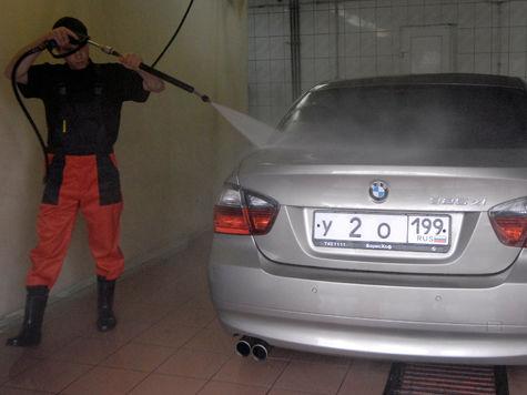 Работники Мосводоканала требовали взятку у владельца автомойки
