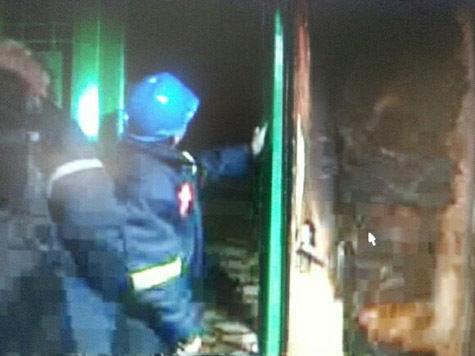 При взрыве жильцы дома получили ожоги рук и лап