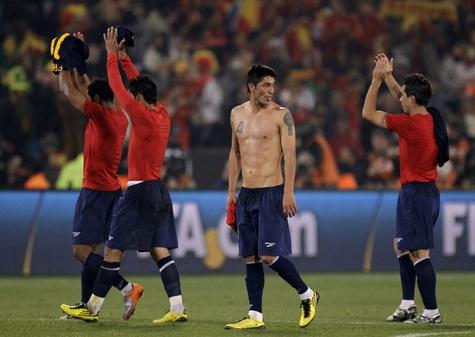 Испания и Чили вышли в плей-офф