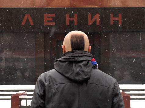 Приезжий из Волгоградской области пытался прорваться к Ленину ночью, когда усыпальница вождя закрыта для посещения