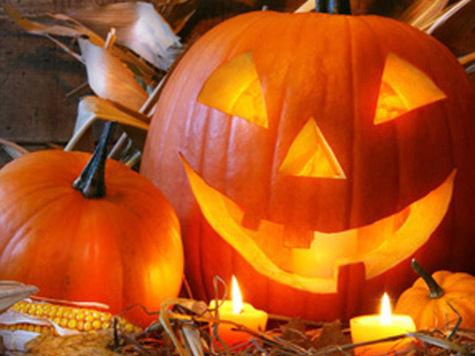 Милонов в Хэллоуин снял с креста «людей с рогами»