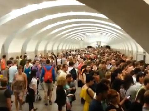 Причины аварий в московском метро: машинисты говорят о переработках и плохих вагонах