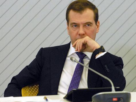 Медведеву рассказали, как «не плестись в хвосте»