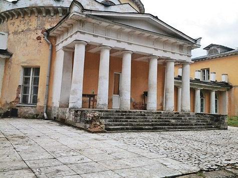 Началась реставрация знаменитой усадьбы «Суханово»