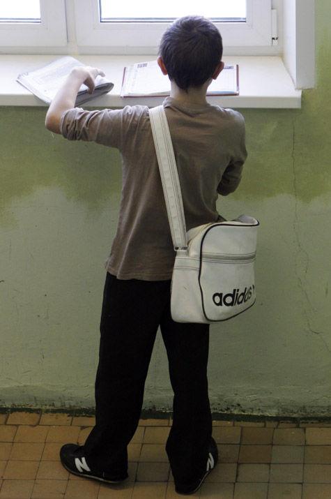 Москвичам предложат собрать в школу детей из малообеспеченных семей