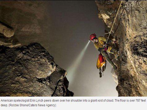 В загадочной пещере в Китае есть облака, туманы и дожди