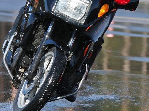 Беглого мотоциклиста поймали с поличным