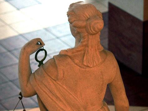 Версия старшины о пропаже ксивы показалась Фемиде убедительней рассказа таксиста