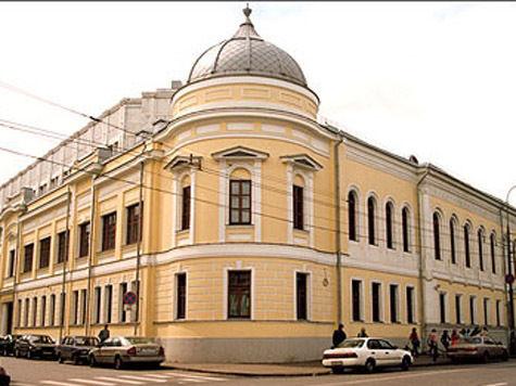 К дому Волконских на Воздвиженке, описанному Львом Толстым в романе «Война и мир» как дом старого князя Болконского, надстроят два этажа, несмотря на запрет Минкультуры