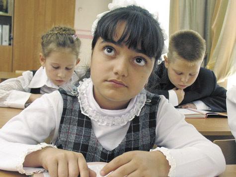 Детей гастарбайтеров хотят обучать по специальным программам