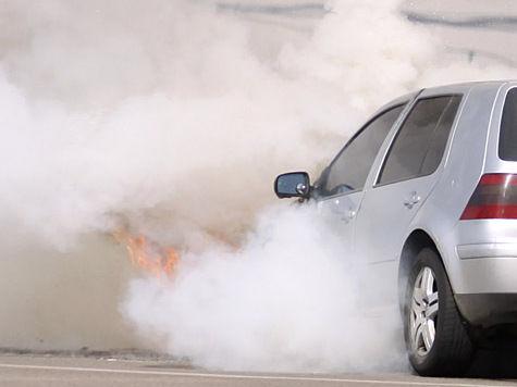 В Юбилейном сожгли 10 машин в двух дворах