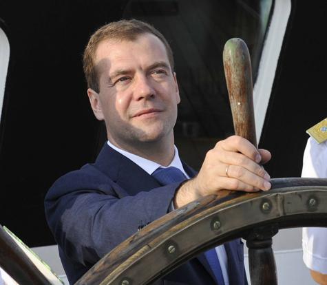 Медведев готов идти на второй срок