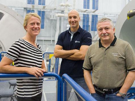Космонавты на МКС подготовили причал для экипажа с олимпийским факелом