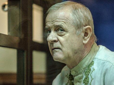 Писатели требуют освободить Квачкова