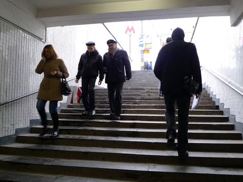 На улице Миклухо-Маклая пешеходов пригласят под землю