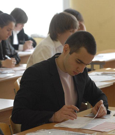 Реформа ЕГЭ: экзамен разделят на две категории, а задания будут в открытом доступе