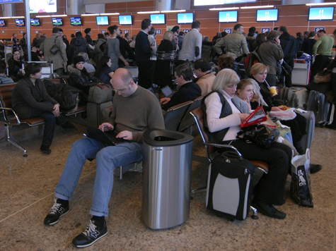 Чемоданы авиапассажиров станут чипировать