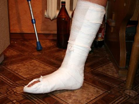 В день митинга школьник заплатил за свободу сломанной ногой
