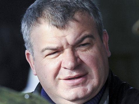 Кремль многозначительно молчит по поводу Сердюкова