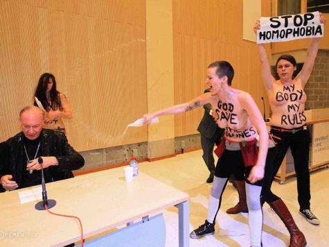 Активистки FEMEN напали на бельгийского архиепископа