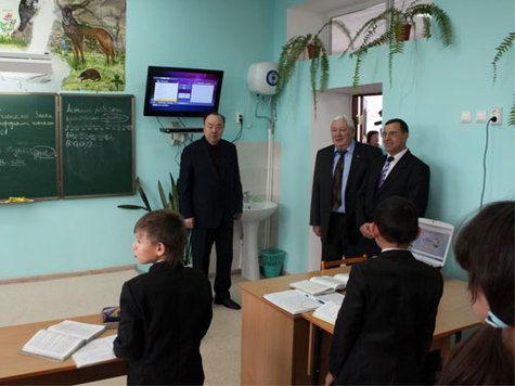 Старая школа похорошела и стала лучшей в Благовещенском районе