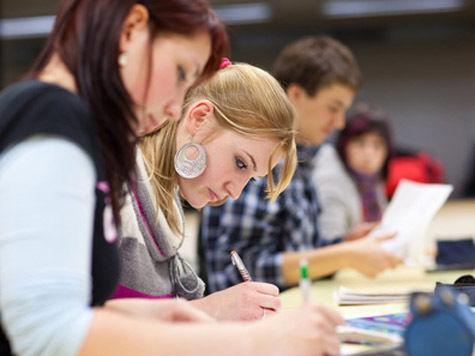 На каждого работодателя уже приходится по 4,1 студента-гуманитария