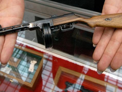 Инспектор уличила мертвеца в неправильном хранении оружия