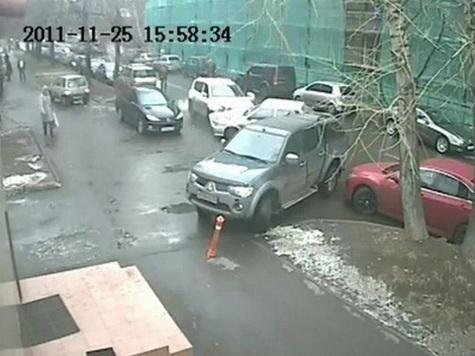 Удирая от полиции, мошенники протаранили 15 машин.ВИДЕО