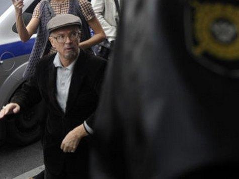 Эдуард Лимонов и еще несколько десятков несогласных задержаны в ходе акции