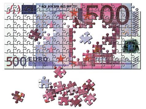 Как спасти евро и рубль