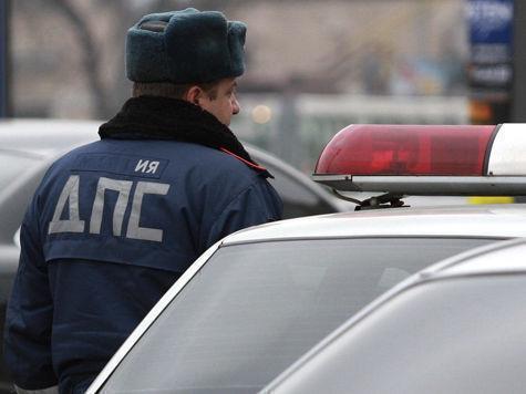 Mazda протаранила автозак с подсудимыми в центре Москвы