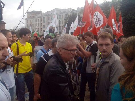 Лимонов призвал не голосовать за Навального