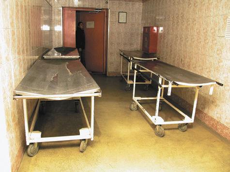 «МК» выяснил подробности ЧП в Псковской области: медики отправили еще живого мужчину к мертвецам