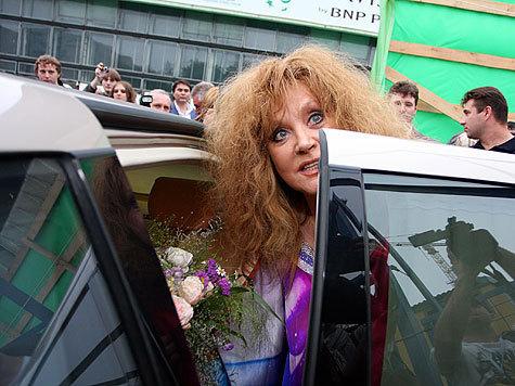 Пугачева вышла победительницей  из битвы с банкирами