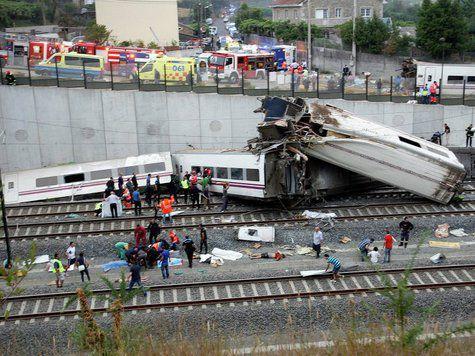 В Испании сошел с рельсов пассажирский поезд, 77 человек погибли