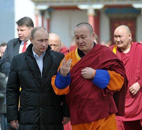 Нетленный лама Итигэлов продолжает говорить с Путиным