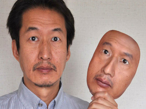 В помощь грабителям: создана маска, безупречно копирующая лицо человека