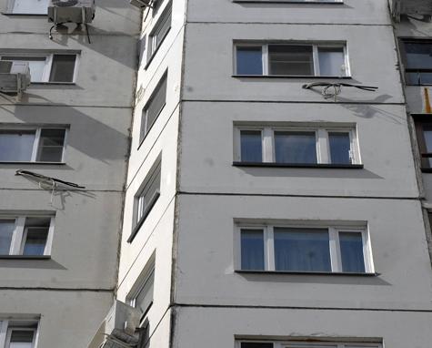17-летняя мать выбросила дочь в окно, находясь в постродовом шоке